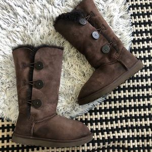 ugg bailey button triplet chocolate brown